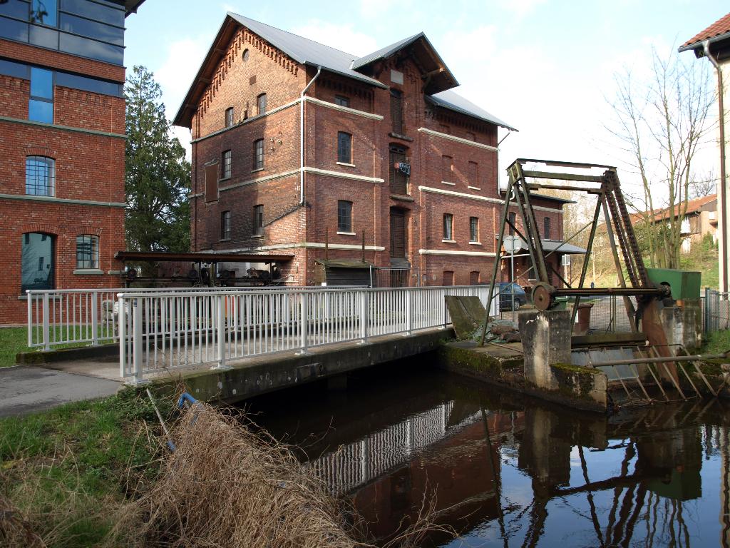 Alte Mühlenanlage vor dem Wehr in Dorfmark